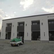 南都留郡鳴沢村にて新築工事中のSEASONSアパート