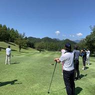 毎年恒例シーズン会ゴルフコンペを行いました。